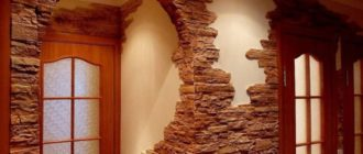 Декоративные кирпичики на стену в коридоре + фото