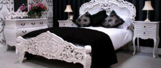 Интерьер спальни с комбинированными обоями