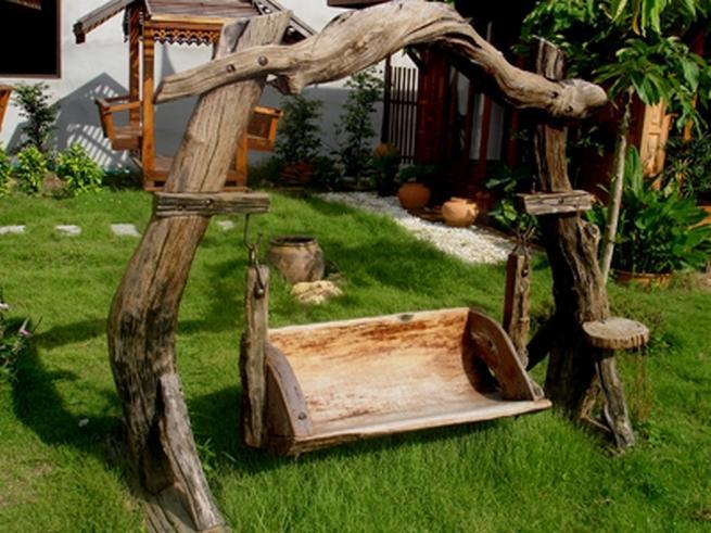 Деревянные качели