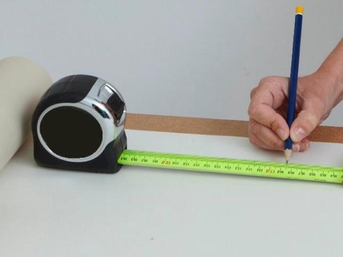 Как клеить флизелиновые обои в углах + видео