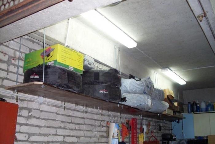 Полки в гараже своими руками + фото