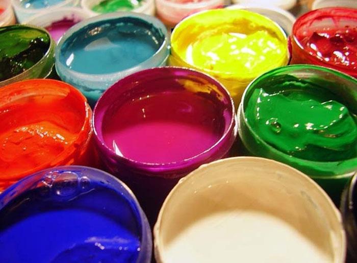 Можно ли красить бумажные обои