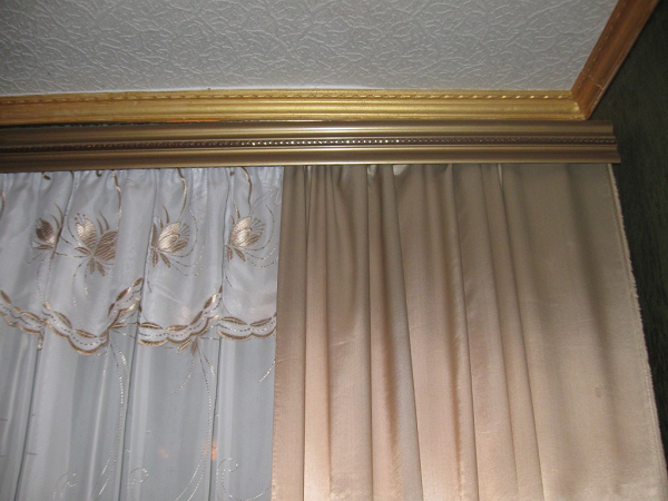 Карнизы для штор настенные
