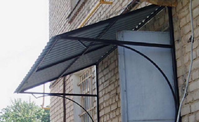 Металлические козырьки над крыльцом + фото