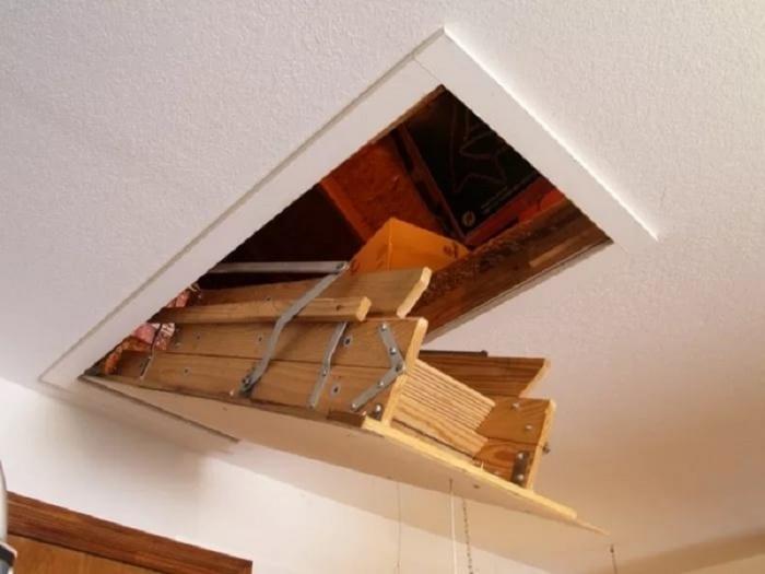 Лестница на чердак с люком