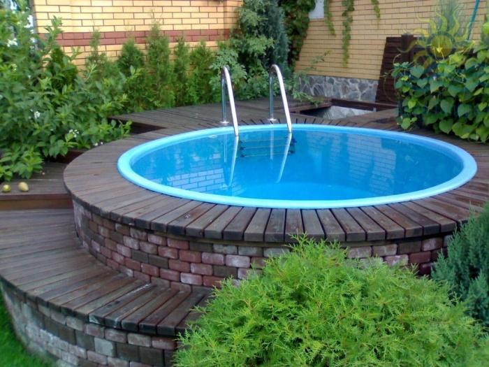 Материалы для дачного бассейна