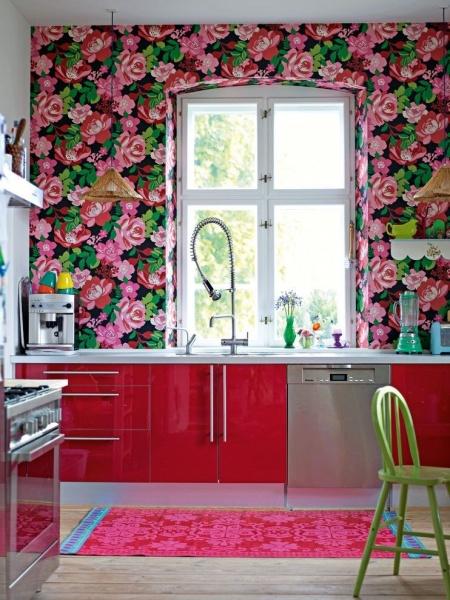 Обои с цветами в интерьере + фото