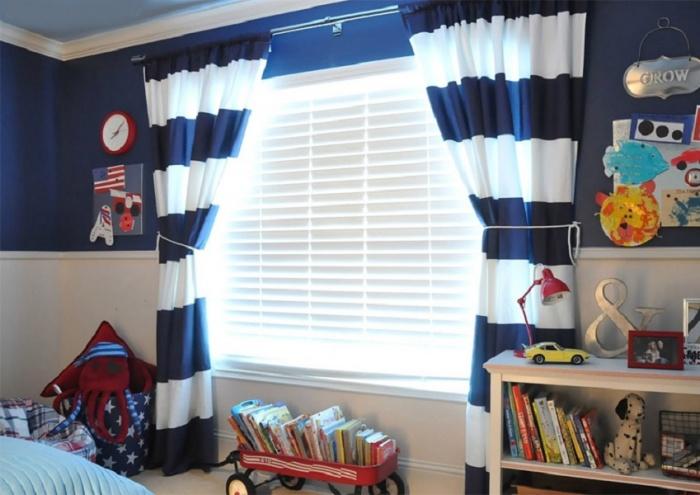 Шторы в детскую комнату для мальчика + фото