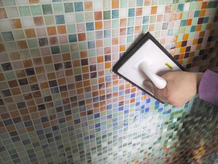 Затирка Ceresit для плитки в ванной