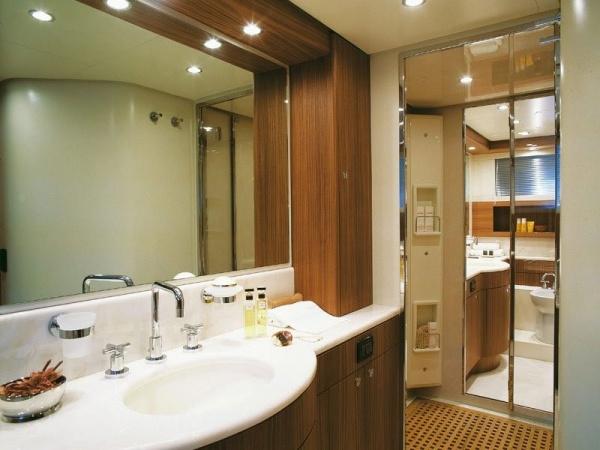 Зеркало с подсветкой для дизайна ванной комнаты + фото