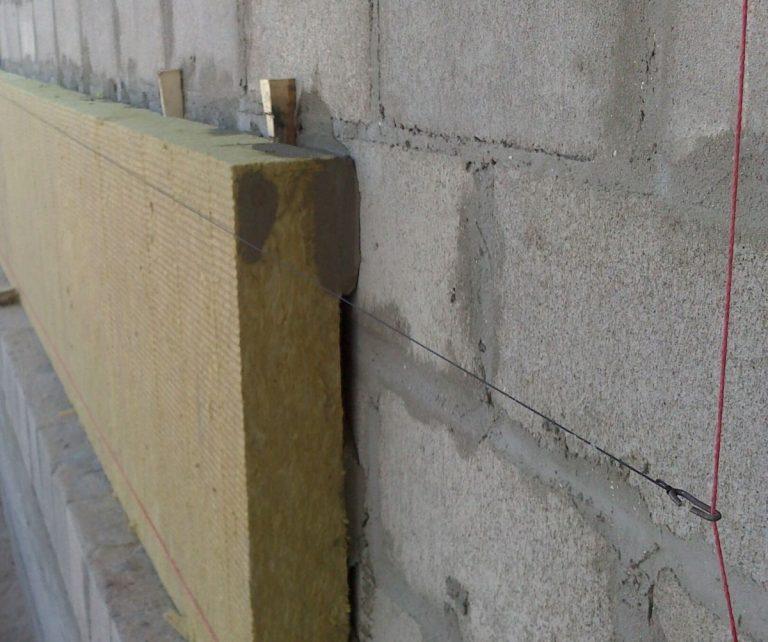 Внешнее утепление стен: преимущества и выбор материала